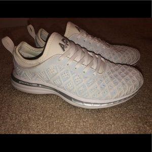 Lululemon APL sneaker